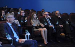 37 - Guests are getting ready for the screening - Photo by Stéphane Kossmann
